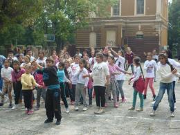 В разгара на танца - ОУ Гео Милев - Пловдив