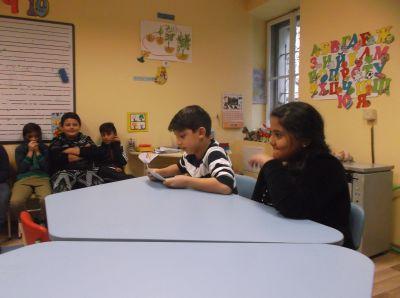 """""""Голямото - малко четене""""- IIIа клас четат приказки на децата от ПГ """"Калинка"""" - ОУ Гео Милев - Пловдив"""