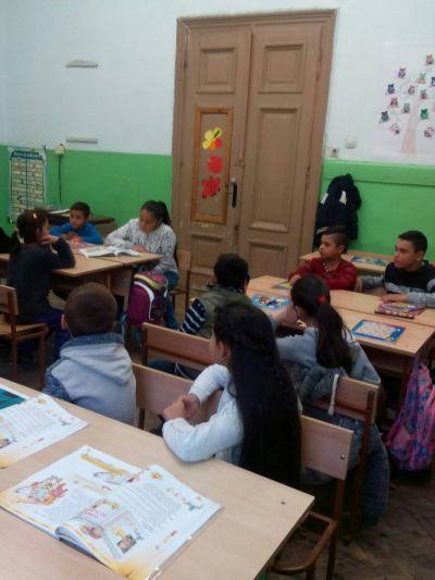 VIа четат на IIа клас - ОУ Гео Милев - Пловдив