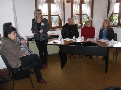 Г-жа Кирова презентира иновативни практики  - ОУ Гео Милев - Пловдив