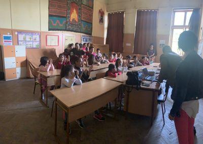 отговаряме на въпроси - ОУ Гео Милев - Пловдив